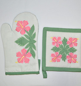 Quilted Potholder Set – Flowers Cream