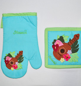 Quilted Potholder Set – Ukulele Sky